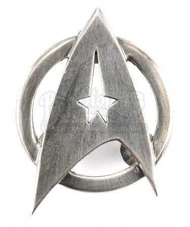 STAR TREK INTO DARKNESS (2013) - Starfleet Captain's Command Division Dress Uniform Insignia