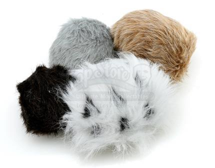 STAR TREK: DEEP SPACE NINE (1993 - 1999) - Set of Tribbles