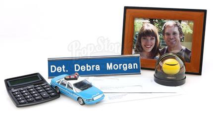DEXTER (2006 - 2013) - Debra Morgan's (Jennifer Carpenter) Desk Items